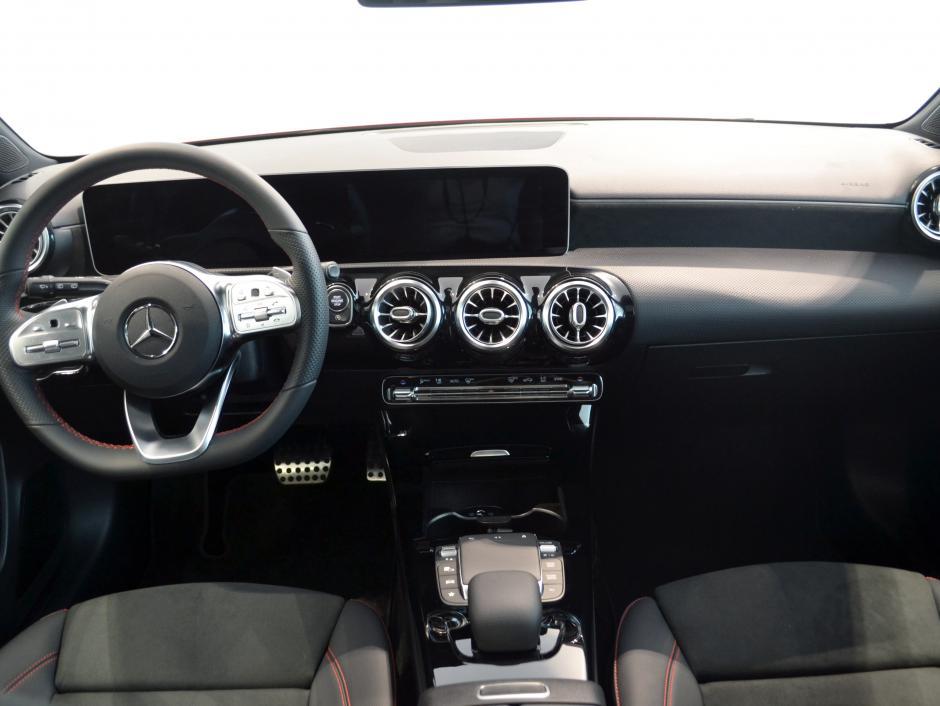 Mercedes-Benz A 220D